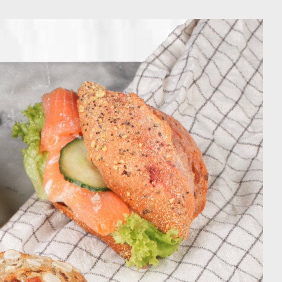 Superfood Brötchen mit Lachs - Catering Frankfurt - Catering Offenbach - Monsieur Raccoon
